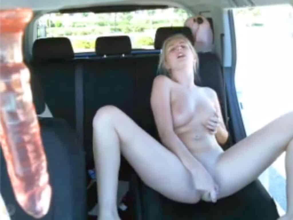 Ebony Women Masturbating Car